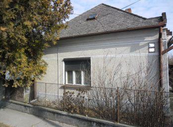 Reality Štefanec /ID-10485/, Topoľníky, okr. Dun. Streda, predaj 3 iz. RD, pozemok 1100 m2, CENA: 33.990,-€
