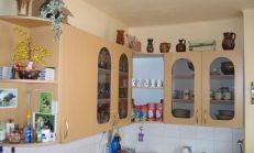 PREDAJ, slnečný 1i byt + KK na sídlisku SNP, Trenčianske Teplice, 37 m2, výťah