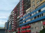 prenájom, čiastočne zariadený veľký atypický 4-izbový byt v novostavbe na Satratovskej ulici, parking v cene.
