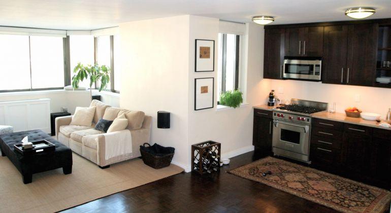 Stred / 2 izbový byt po kompletnej rekonštrukcii so zmenenou dispozíciou / Bánovce nad Bebravou