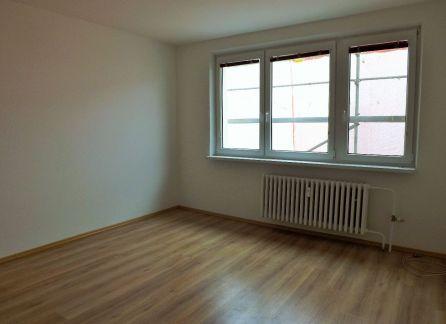 STARBROKERS - Predaj 3-izbový zrekonštruovaný byt na začiatku Petržalky