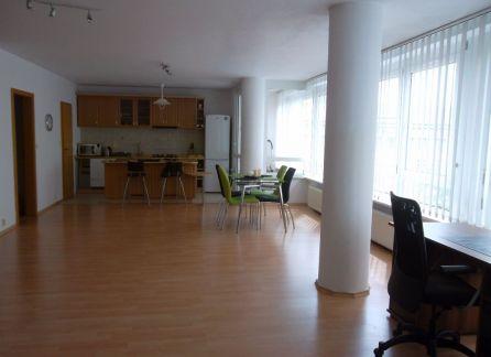 STARBROKERS - Predaj 3- izbový veľkometrážny byt v centre mesta