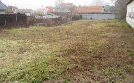 Stavebný pozemok v strede obce Horná Potôň