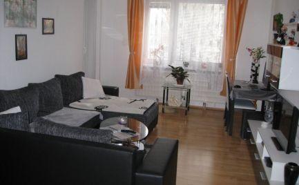 Veľmi pekný, slnečný 3 izb byt so špajzou v centre Šamorína