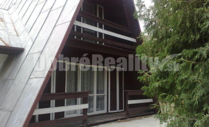Na predaj rekreačná chata v areáli  termálne kúpalisko Patince.