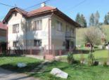 ACT Reality: Udržiavaný rodinný dom s pekným veľkým pozemkom(1868 m2), Bacúch - Polomka