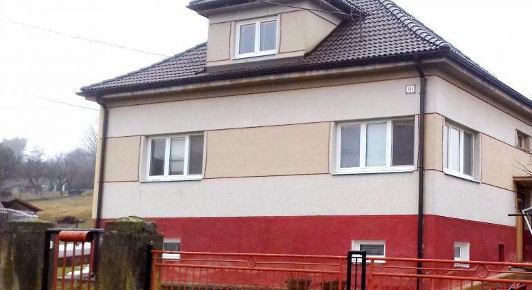ZNÍŽENÁ CENA.....Prusy / na predaj rodinný dom s garážou / 4 km od BN