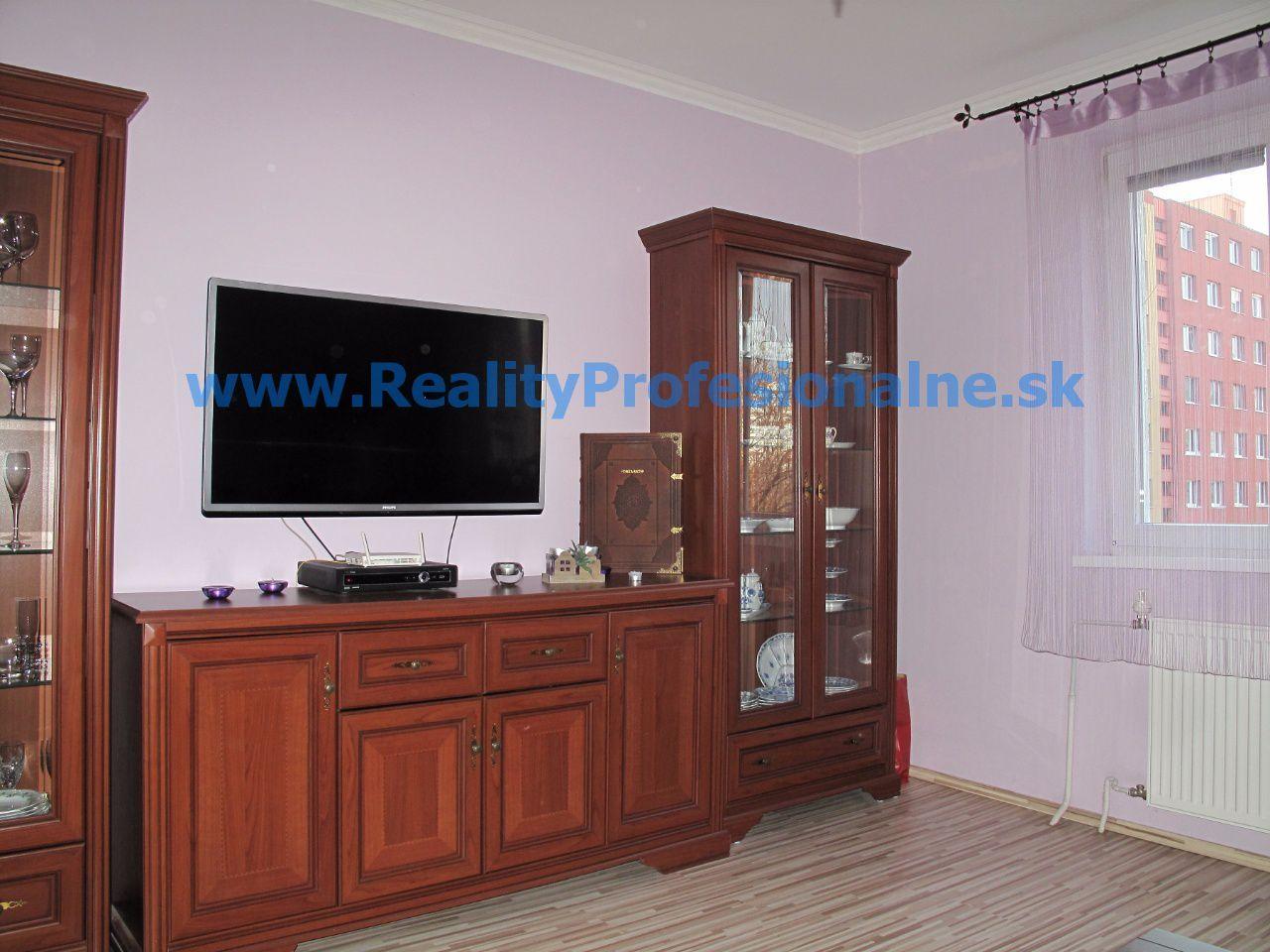 PREDANÉ ZA 1/2 DŇA: Hľadáte 4 izbový byt v Petržalke pre pohodlné bývanie?