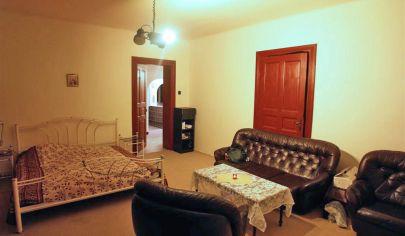 Veľký a priestranný 3 izb. tehlový byt 94m2 + 35m2 pivnica + záhrada na lukratívnej Havlíčkovej ulici