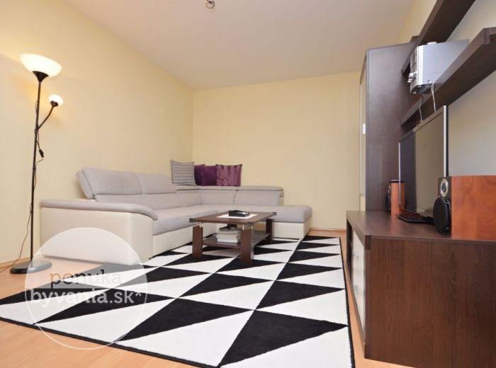 PREDANÉ - BIELORUSKÁ, 3-i byt, 68 m2 – ZREKONŠTRUOVANÝ, príjemne svetlý byt so ZASKLENOU loggiou, komora, blízko Malého Dunaja a LESOPARKU