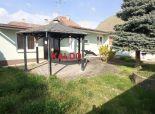 Rezervované - Križovany nad Dudváhom-3izbový rodinný dom do tvaru L, pozemok  o výmere 1175m2, ihneď voľný, exkluzívne  !!!