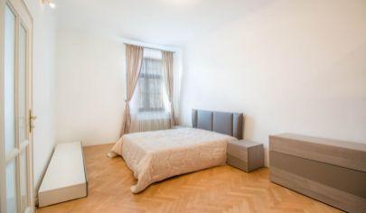 # 4 izbový byt # výmera bytu 150m2 # drevené parkety # výťah # trnavské mýto #