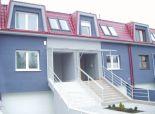 prenájom, 5-izbový nezariadený rodinný dom v radovej zástavbe Karlova Ves, dvojgaráž, terasa, internet
