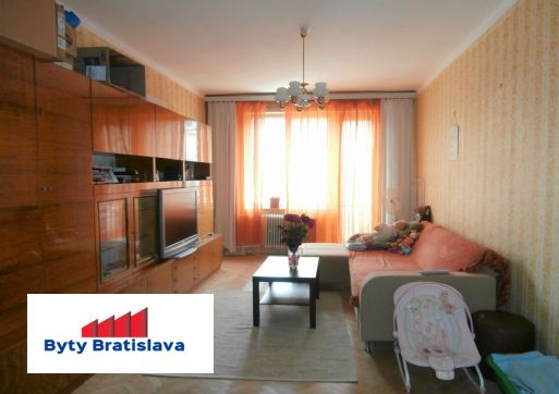 RK 3000 predá 2-izb. byt, BA III - Nové Mesto, Ovručská ul.
