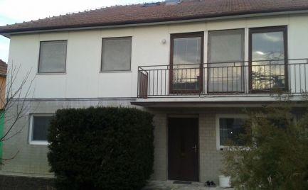 Na predaj rodinný dom v tichej lokalite Nových Zámkov