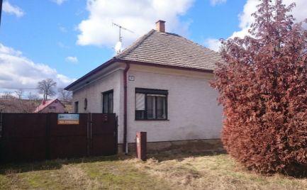Starší rodinný dom v obci Šípkové