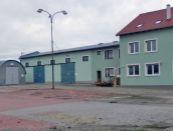 Areál s administratívou, skladmi a voľnou plochou pre obchod, služby, priemysel, v Nitre na predaj