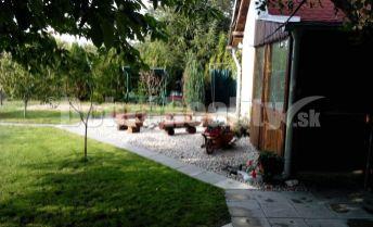 8 ár záhrada s chatou - N. Stráž