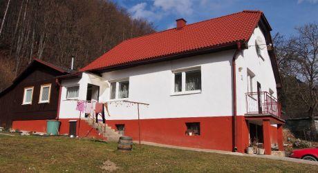 Na predaj rodinný dom 5+1, garáž, 1.306 m2, Trenčianske Teplice