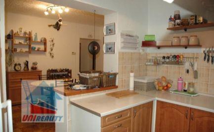 VELUŠOVCE - 3 izbový byt / Veľkometrážny / rekonštrukcia / plastové okná