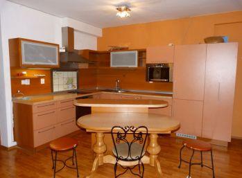 Reality Štefanec /ID-10513/ BA-Dúbravka, 4 izb. byt v novostavbe s park. státím na prenájom Saratovská ul., cena: 700,-€ + 150,-€ energie