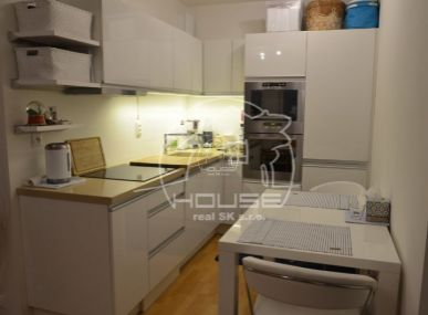 PREDAJ: 2 izb . byt, novostavba, sgarážovým státim, BA IV Záhorská Bystrica