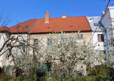 PREDANÉ - Veľkometrážny rodinný dom, Zvolenská ulica, Ružinov