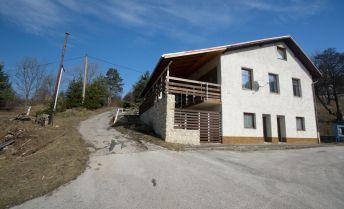 Dom v peknom prostredí obce Lubina s výhľadom na Javorinu