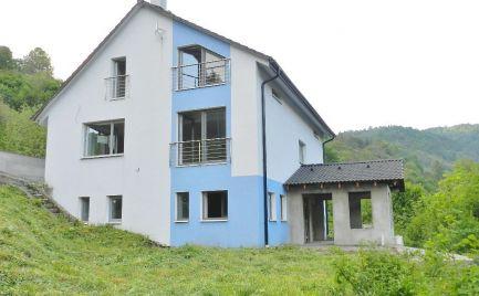 Rodinný dom (menší rodinný penzión), Hodruša Hámre - raj pre chatárov a chalupárov