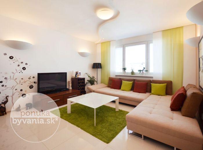 PREDANÉ - ĽUDOVÍTA FULLU, 3-i byt, 76 m2 – príjemný moderný byt, 2x LOGGIA, kompletná REKONŠTRUKCIA, SKVELÁ dispozícia, nové rozvody elektriny - NÍZKE NÁKLADY