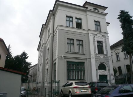 Starbrokers- Prenajmeme podkrovie na kancelárske účely v nádhernej vile v Bratislave