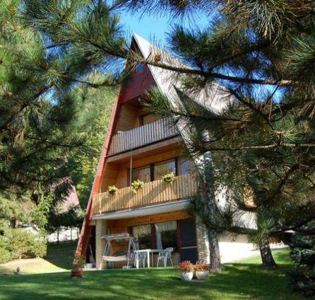 STARBROKERS - ZNÍŽENÁ CENA - Veľká chata v prekrásnom prostredí