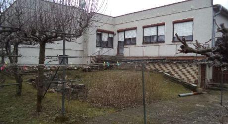Na predaj pekný dvojgeneračný 6-izb RD v obci Radava..