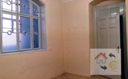 Kancelária na prenájom 16 m2 priamo v centre mesta na Hlavnej ulici
