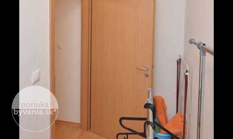 ponukabyvania.sk_Tomášikova_1-izbový-byt_KOVÁČ