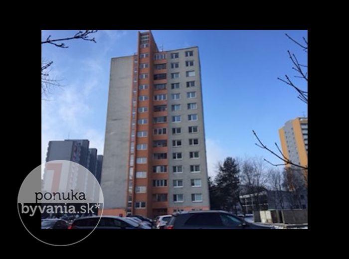 PREDANÉ - DROBNÉHO, 3-i byt, 74 m2 – v pôvodnom zachovalom stave, loggia, REKONŠTRUOVANÝ BYTOVÝ DOM, kúpou VOĽNÝ