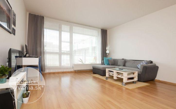 PREDANÉ - TOMÁŠIKOVA, 2-i byt, 70 m2 – slnečný byt v NOVOSTAVBE, priestranná LOGGIA, nádherný výhľad, tehla, pivnica, GARÁŽOVÉ STÁTIE