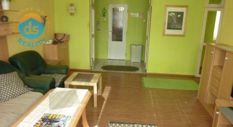 Exkluzívne na predaj tehlový byt 3+1, 72 m2, Trenčín, ul. Beckovská