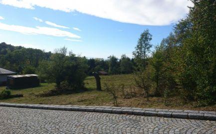 EXKLUZÍVNE ponúkame na predaj pozemok v obci Kokošovce, v časti Sigord, 900 m2