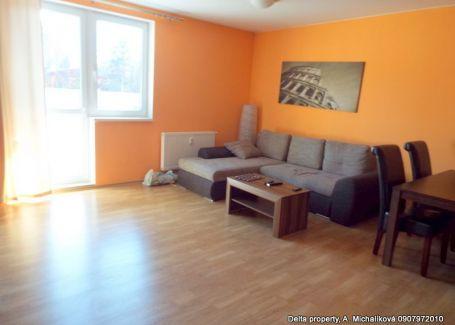 PREDANÉ Predaj - dvojizbový byt v novostavbe na sídlisku Západ.