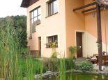 Klokoč – rodinný dom, garáž, letná kuchyňa, pozemok 2268 m2 – predaj