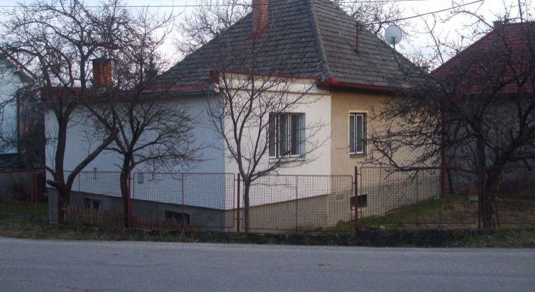 Predaj Rodinný dom  / 837 m2  /   Kanianka  / okr. Prievidza