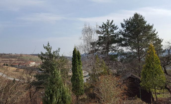 Predaj - Stavebný pozemok s nádherným výhľadom, Devín