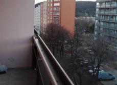 Predaj 3 izb. bytu v Dúbravke s dvomi loggiami a so samostatnými izbami.