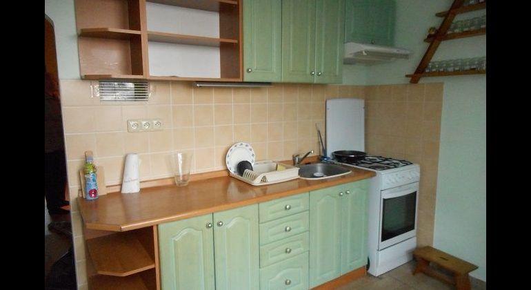 M. Bela. 4-izbový čiastočne rekonštr. byt, 79 m2