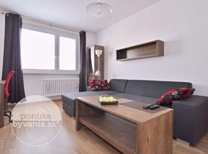 PREDANÉ - PRI KRÍŽI, 1-i byt, 38 m2 – slnečný, ZREKONŠTRUOVANÝ byt, KOMPLETNE zariadený, s krásnym výhľadom na okolie