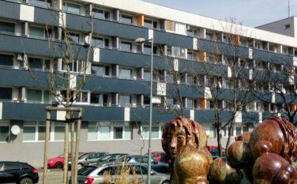 Na predaj útulný a lacný 38m2 2i.byt z loggiou v novostavbe - Vinohrady .