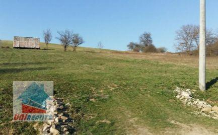 OKRES BÁNOVCE nad BEBRAVOU - pozemok v obci BREZOLUPY - časť JERICHOV o výmere 776 m2