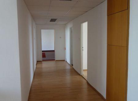 Kancelársky celok, cca 240m2, Ružová dolina, Bratislava_ružinov, parkovanie