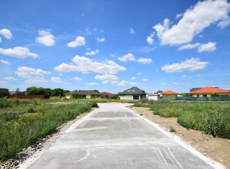 Stavebné parcely / nový rodinný dom / Horná Streda